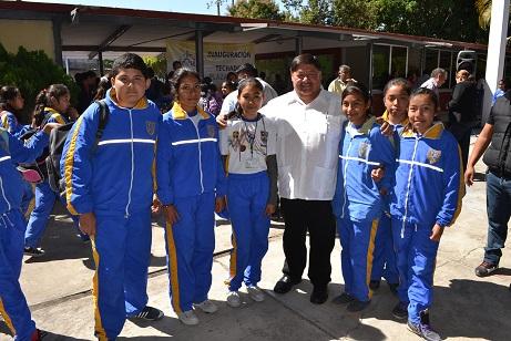Mejoran infraestructura educativa de Izúcar de Matamoros
