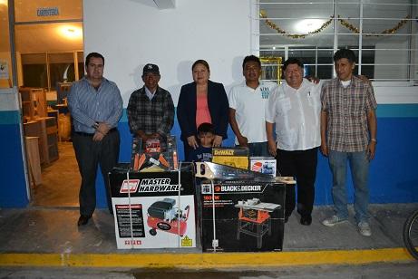 Entregan herramientas y equipo de carpintería en Izúcar de Matamoros