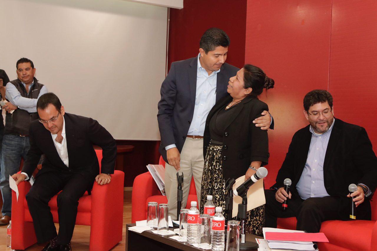 Eduardo Rivera presenta propuestas durante Conversatorio de la Ibero