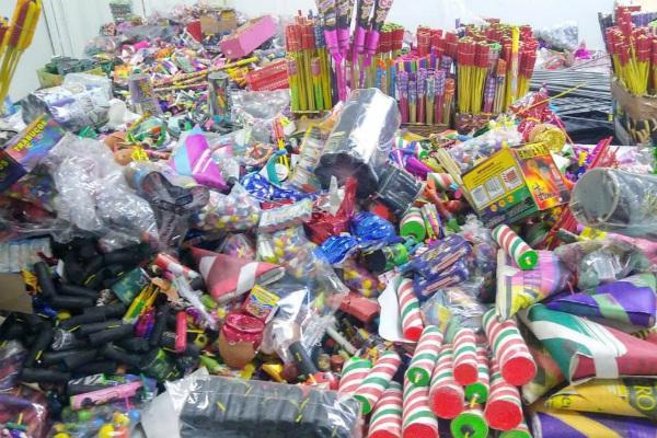 Aseguran tonelada y media de pirotecnia en San Pedro Cholula