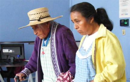 Llaman a abuelitos a realizar su prueba de supervivencia
