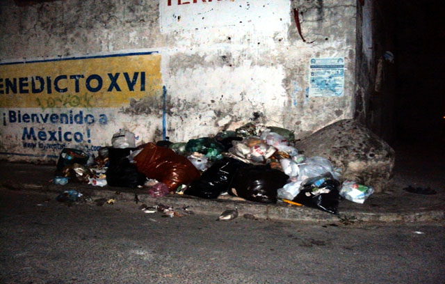 Calles del Pueblo Mágico de San Pedro, un basurero