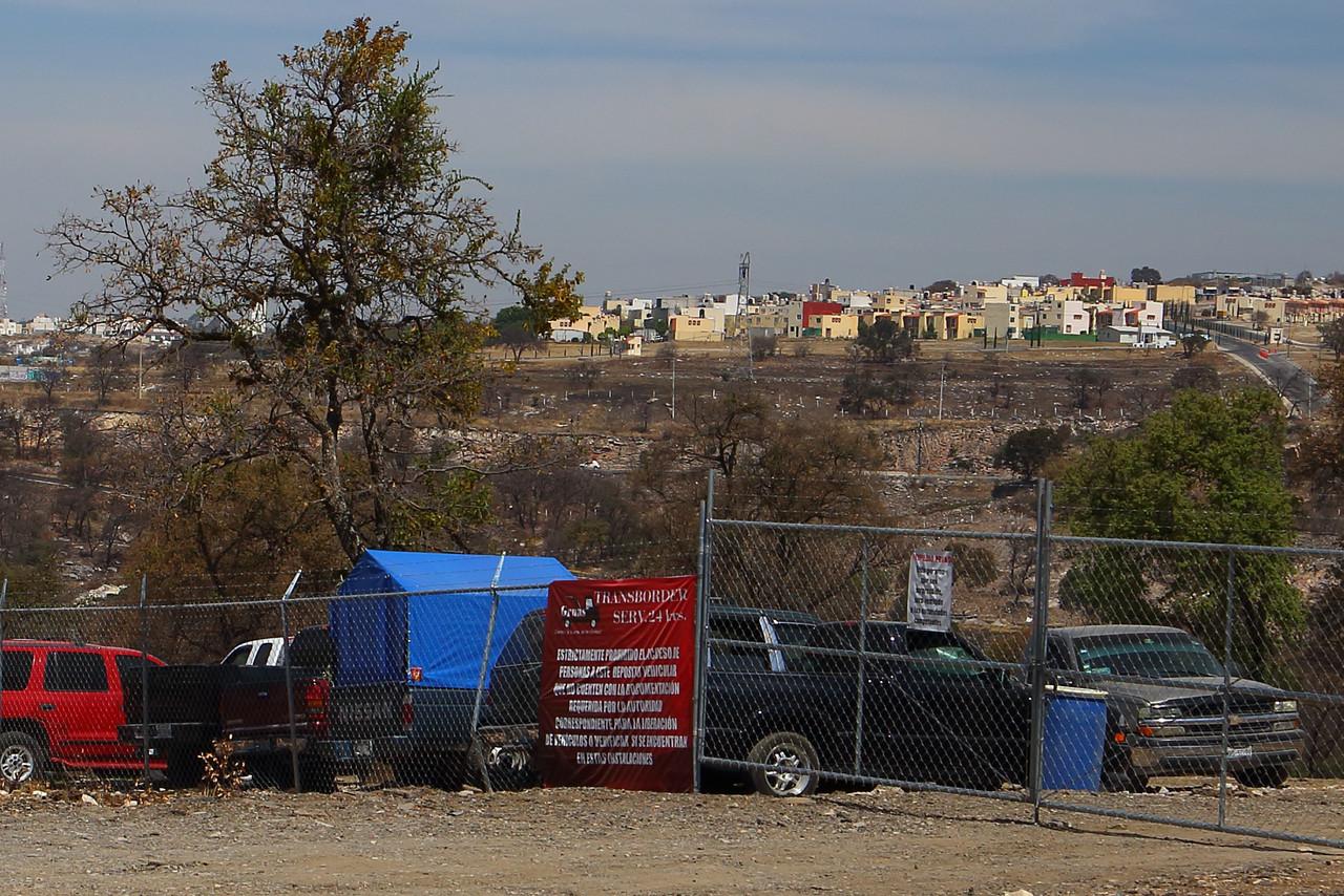 Huachicoleros operarían corralones de autos robados en zona del Triángulo Rojo
