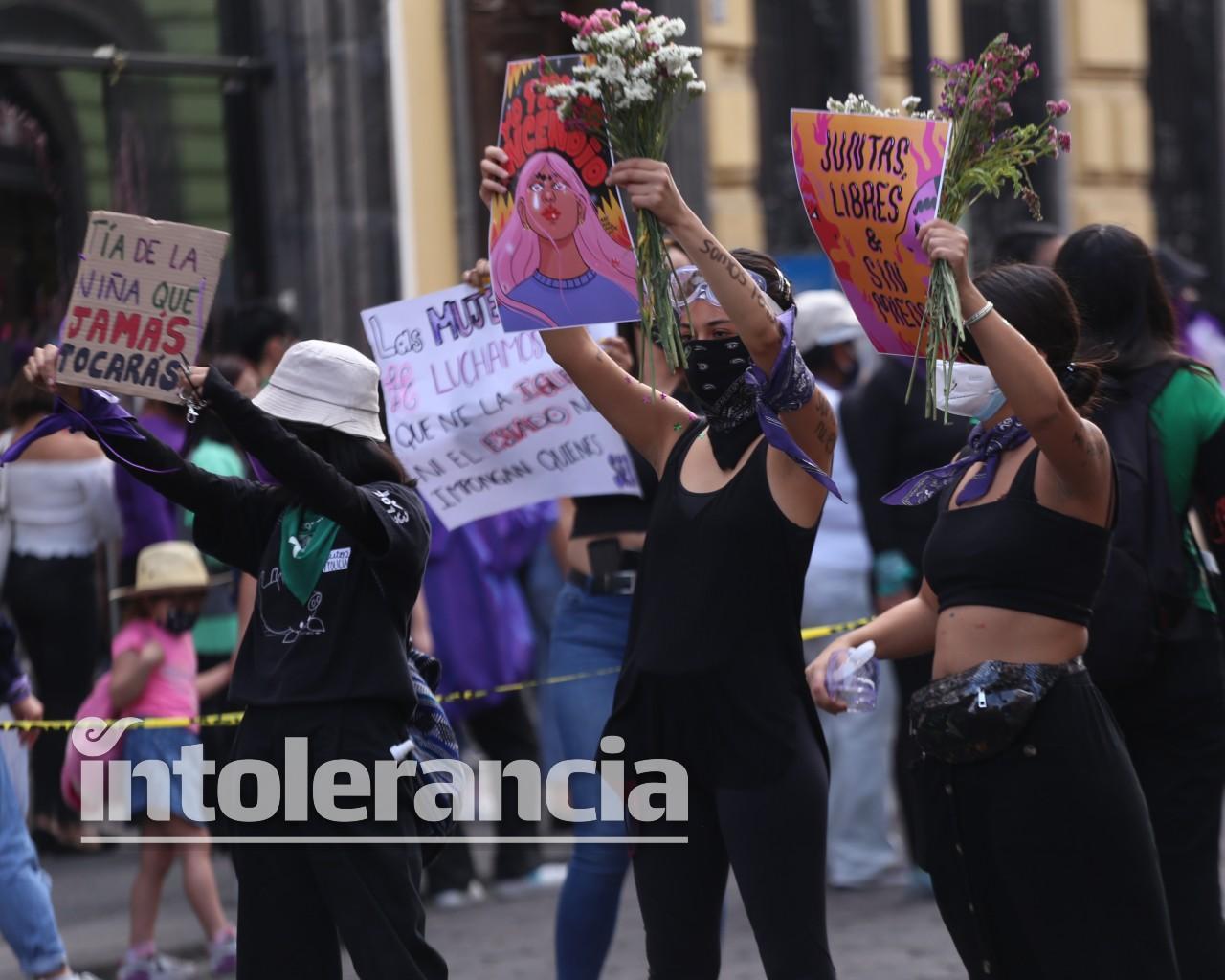 Feministas lamentan politización de marcha 8M; gobiernos la usaron para descalificarse