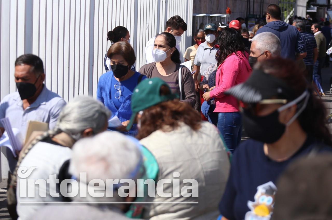 En un día se aplican en Puebla capital casi 45 mil vacunas Covid: Salud