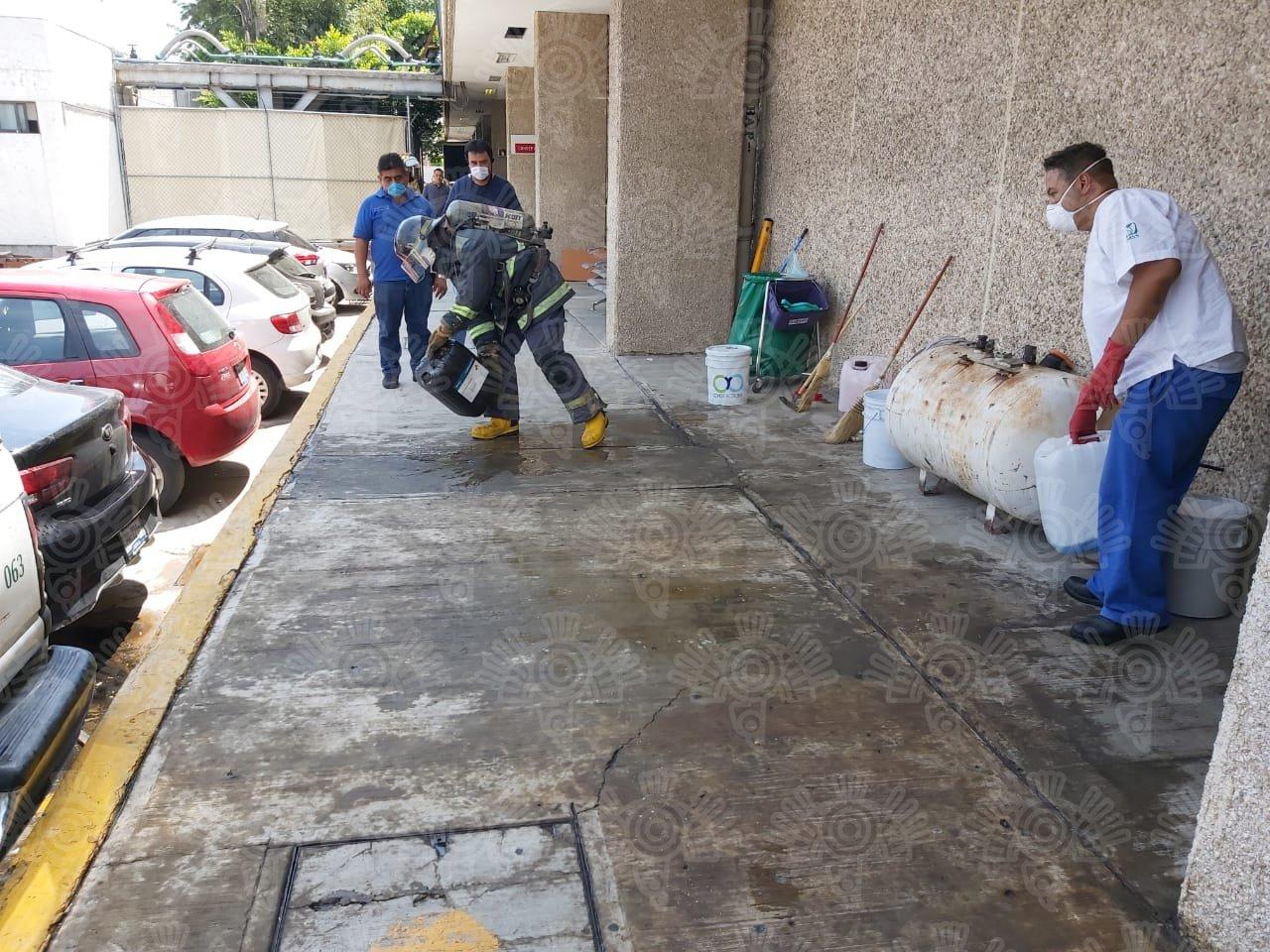 Evacuan hospital La Margarita por fuerte olor a gas