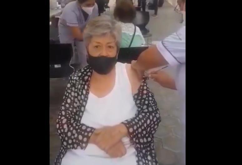 """Ahora en Puebla captan aplicación """"fake"""" de vacuna contra Covid"""
