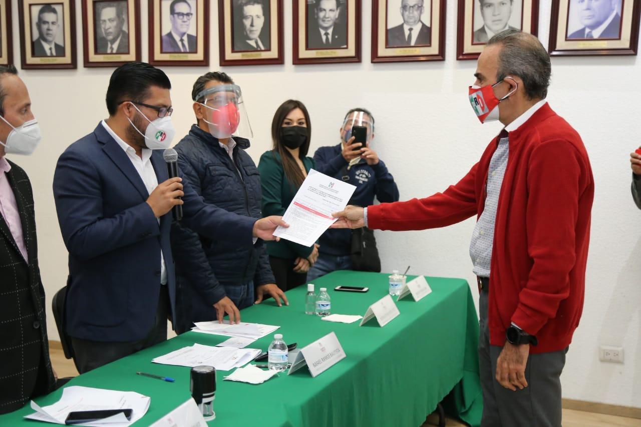 Se rompe la unidad en el PRI; van 8 candidatos por 6 distritos federales en Puebla