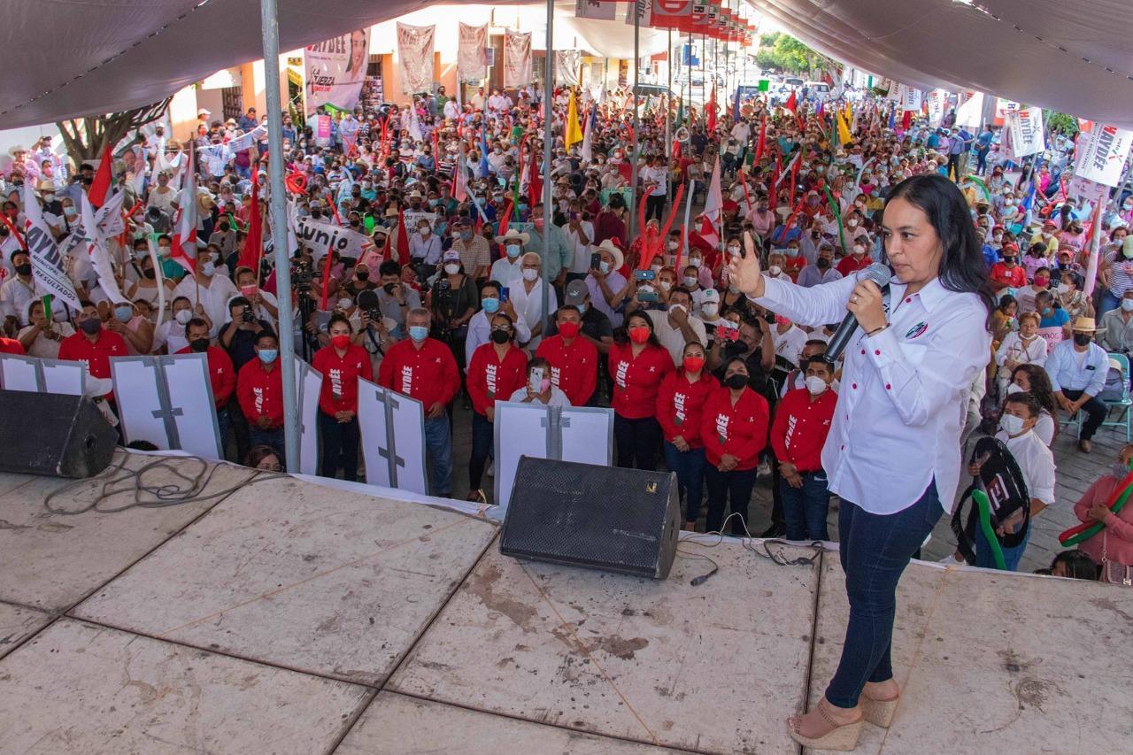 """El PRI emerge en Acatlán, """"purificado y sin lastres"""": Haydée Campos"""
